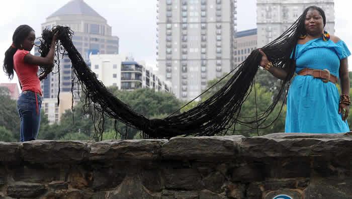 elles ont les plus longs cheveux de la plan te lebabi. Black Bedroom Furniture Sets. Home Design Ideas