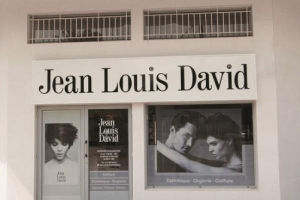 Ouverture d 39 un salon jean louis david abidjan lebabi - Salon jean louis david ...