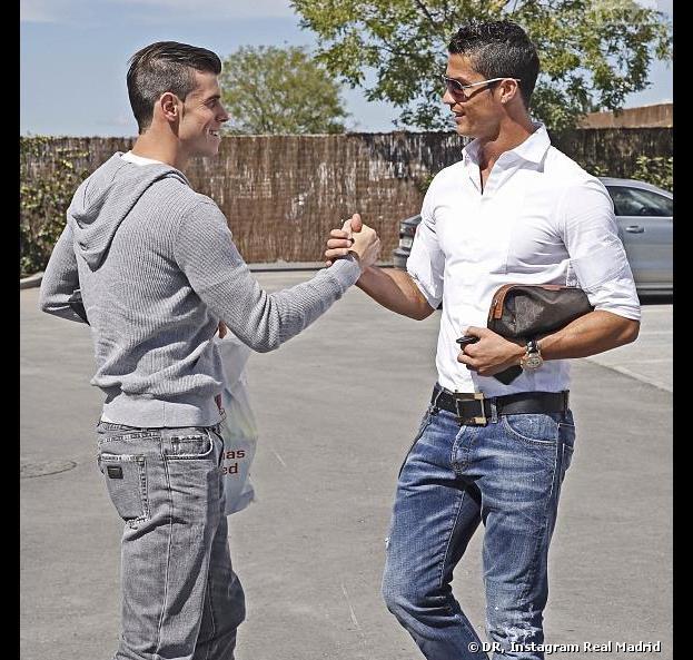 Ronaldo vs Bale   Combien coûte leurs styles vestimentaires bling-bling  (découvrez les chiffres 3877c47b53a