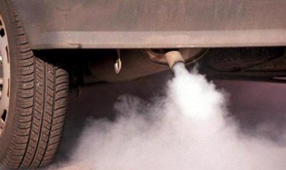 pollution de l air par les v hicules les abidjanais respirent 3000 tonnes de co2 par jour. Black Bedroom Furniture Sets. Home Design Ideas
