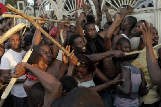 Ha ti heurts port au prince abidjan c te d 39 ivoire - Manifestation a port au prince aujourd hui ...