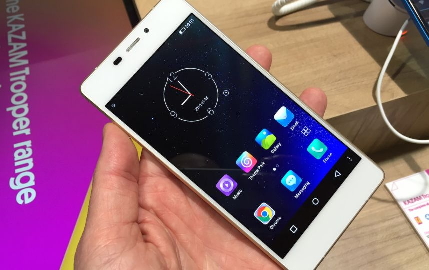 Kazam Tornado 552L : un smartphone 4G de 5,5 millimètres d ...