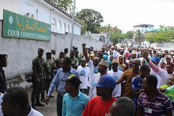 Comores l 39 opposition boude le vote de la charte africaine for Abidjan net cuisine africaine