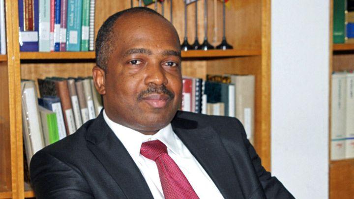 michel brizoua bi l 39 ivoirien lu la t te des avocats d 39 affaires africains. Black Bedroom Furniture Sets. Home Design Ideas