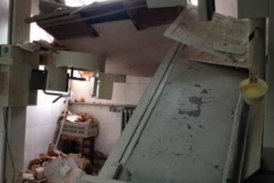 Chine un h pital d moli avec des gens l 39 int rieur for Interieur hopital