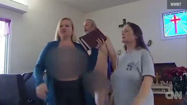 Montréal : Danse érotique d'homosexuels dans une église ! Il faut faire réparation de ce sacrilège 20140212-4